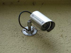 Czy warto zakładać monitoring w domu